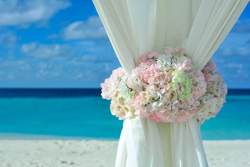 Ślub nad morzem, wesele na plaży