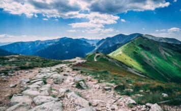 Czas na weekendowy wypad? Poznaj 4 powody, dla których warto wybrać się w Tatry